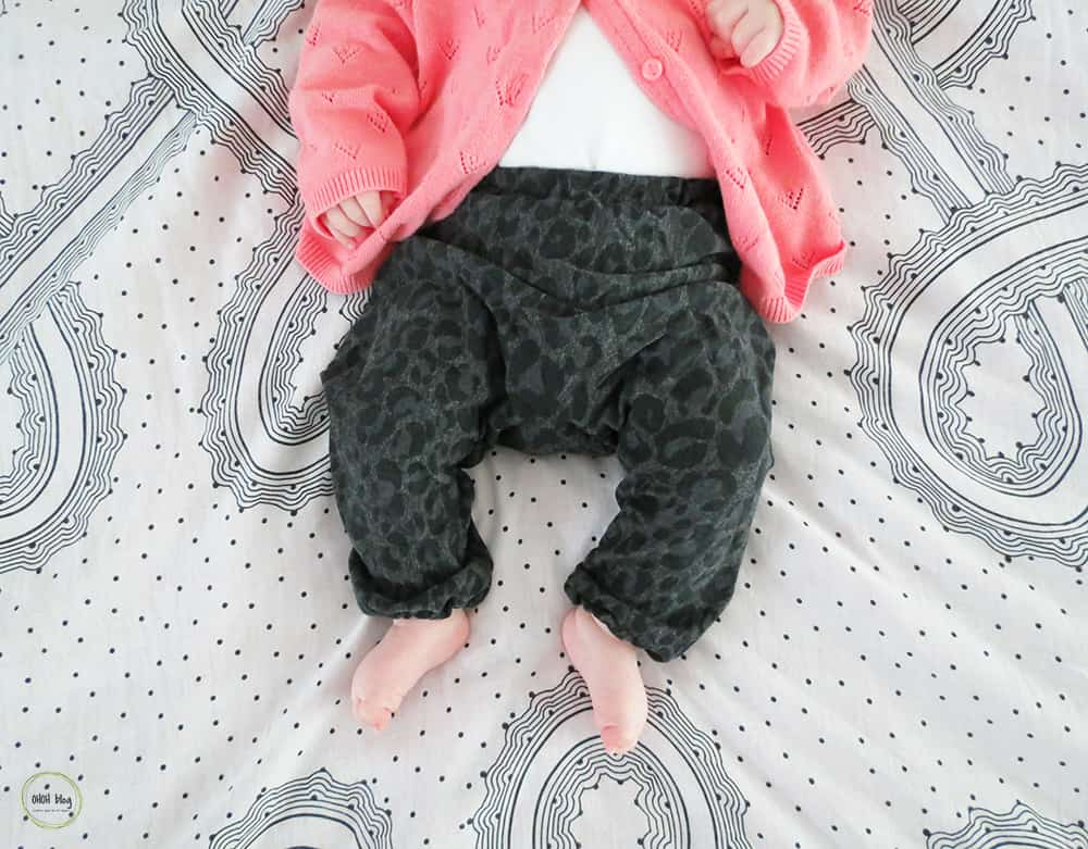 sew baby pants in used t-shirt