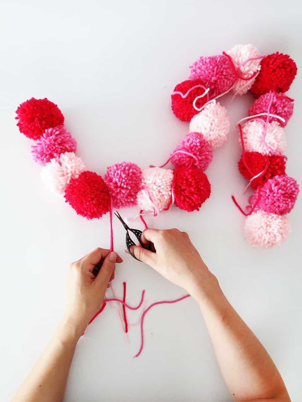 trim the yarn