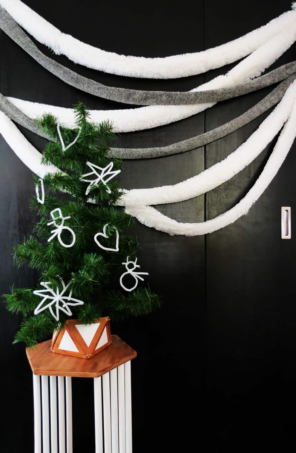 DIY faux fur garland