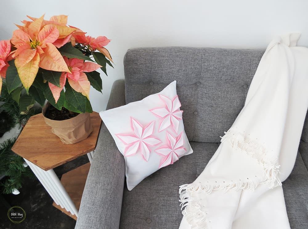 How to sew a felt christmas cushion