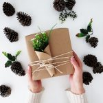 3 ideas to wrap gifts with bown paper