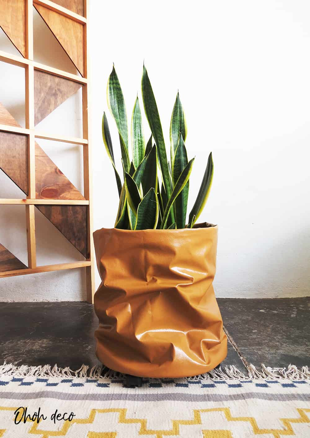 How to make a rolling planter with fabric
