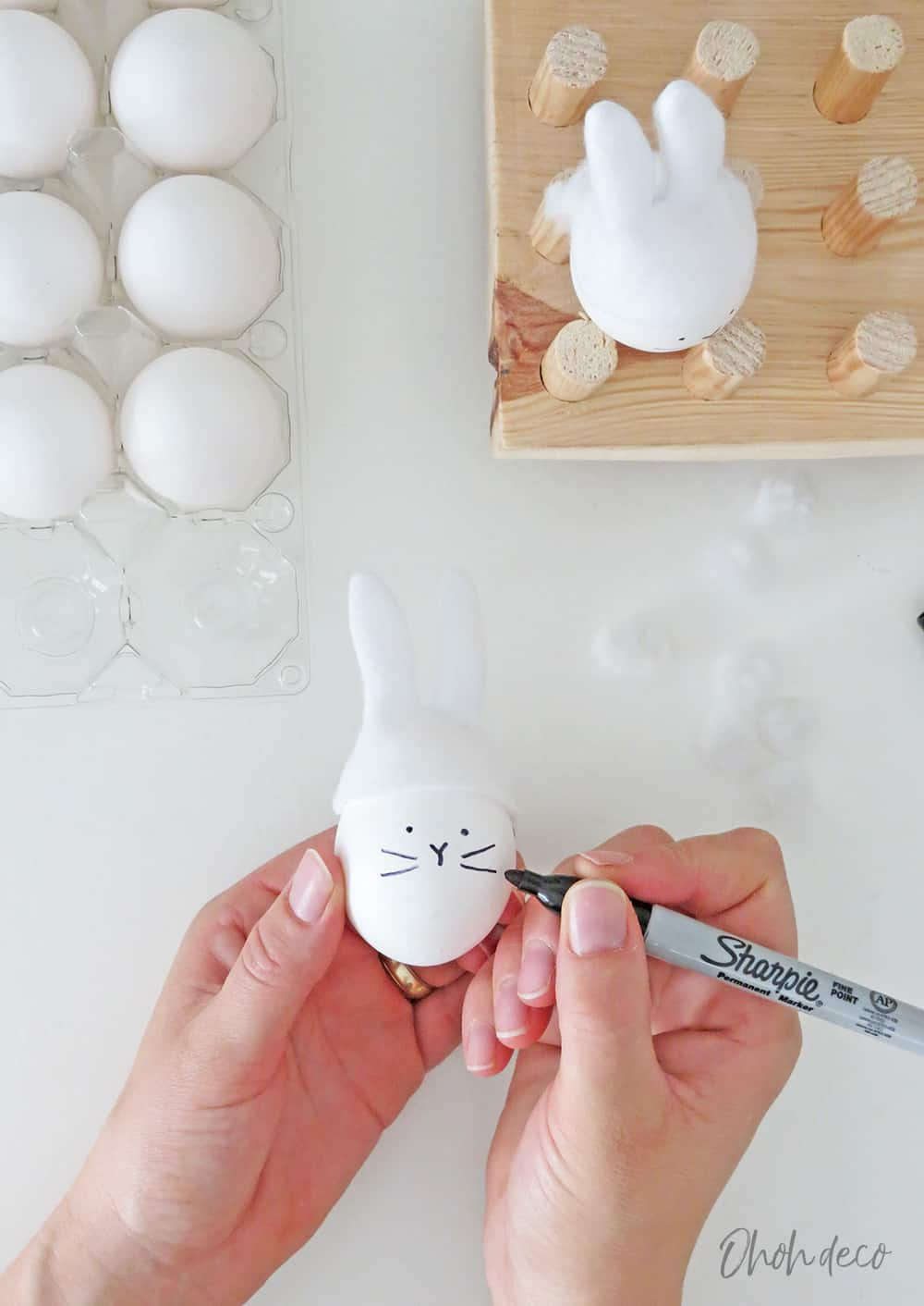 drawing a bunny face on egg