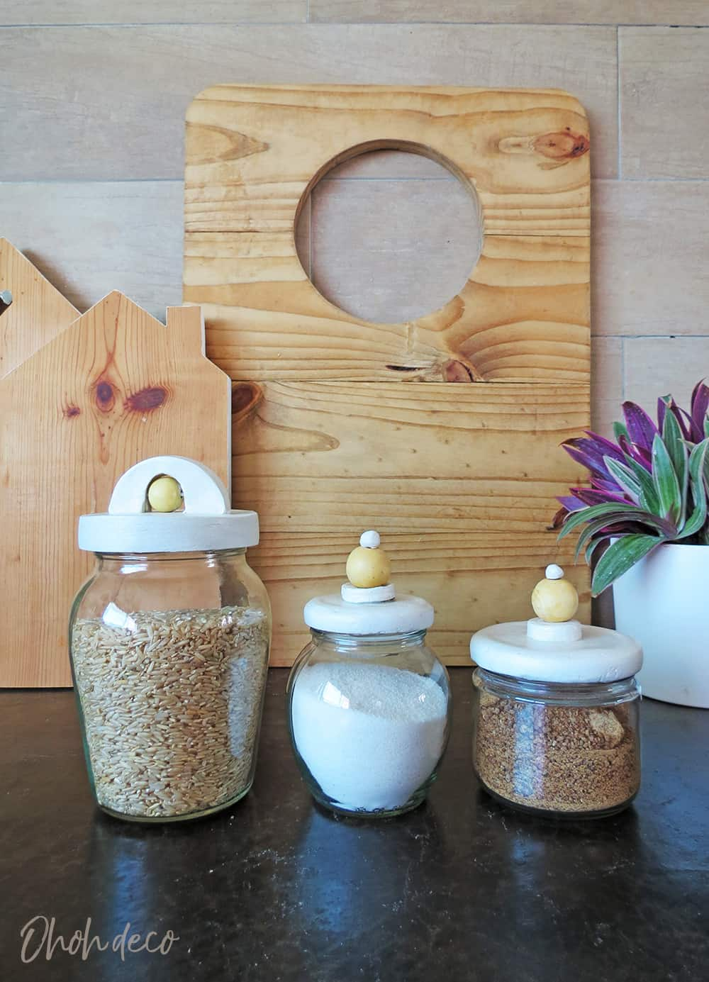 How to upcycle a glass jar lid with clay #diy #airclay #jar #storage #upcycle
