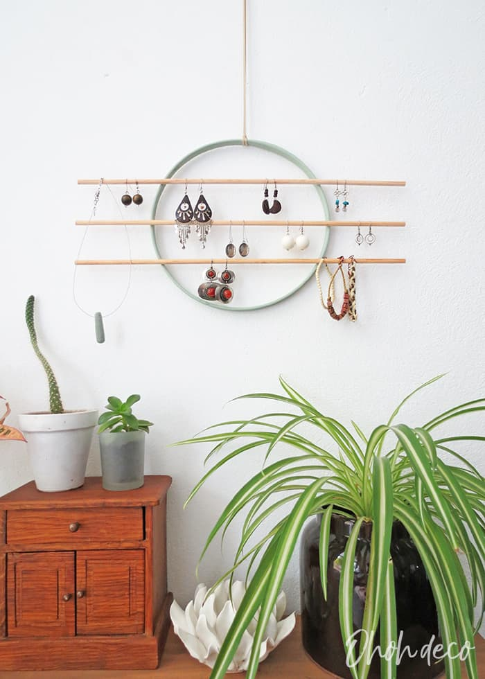 DIY wall earring holder