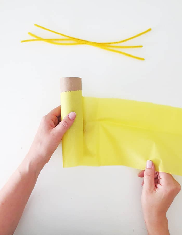 make a daffodil with paper