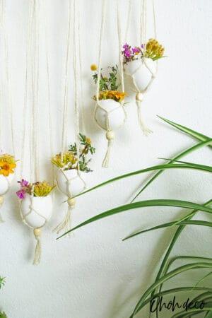 DIY spring wall hanging