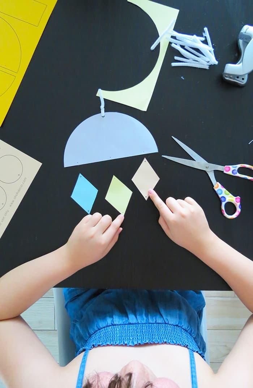 kids crafts to make paper wall hanging