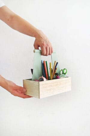 easy to make diy craft organizer caddy