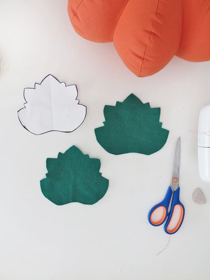 cut leaf for the pumpkin shaped pillow