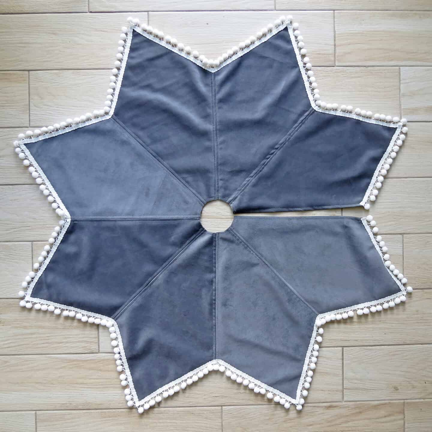 Sewing star-shaped tree skirt