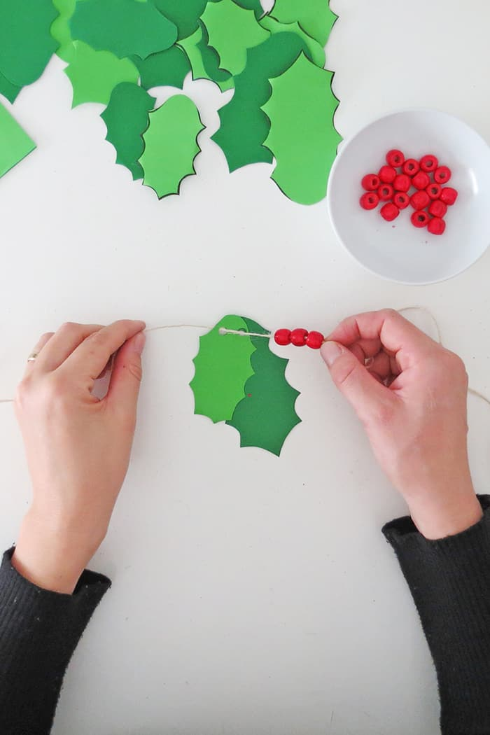 pass bead to make christmas garland