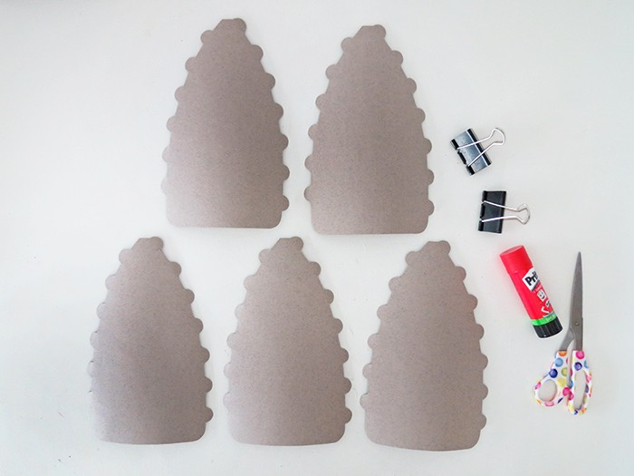 cut 5 identical pieces to make the paper lampshade
