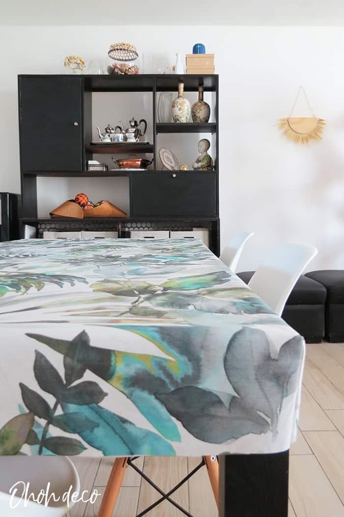 cornered tablecloth