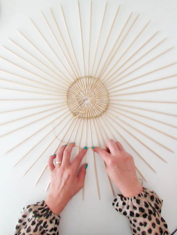 make knots with rope to make the lampshade