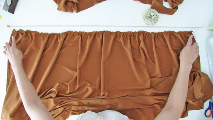 measure the skirt waist