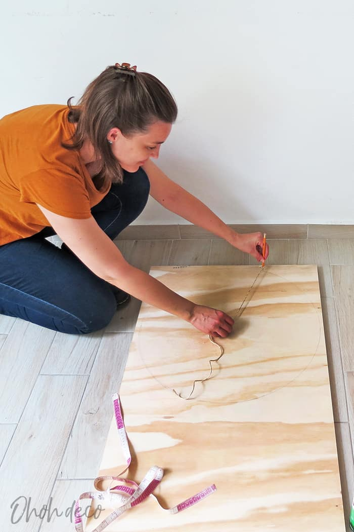 Trace the circle to make the coffee table top