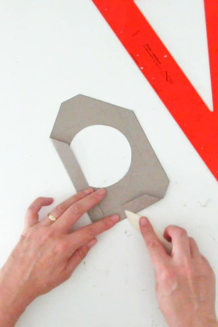 fold the paper frame